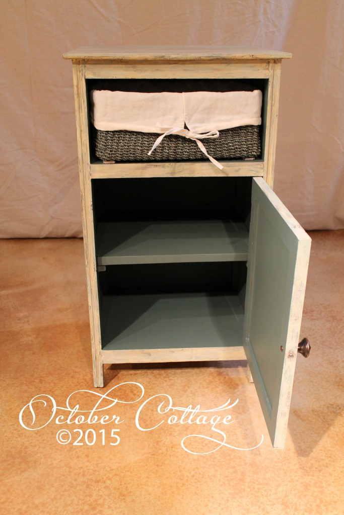 Cabinet with basket inside wm