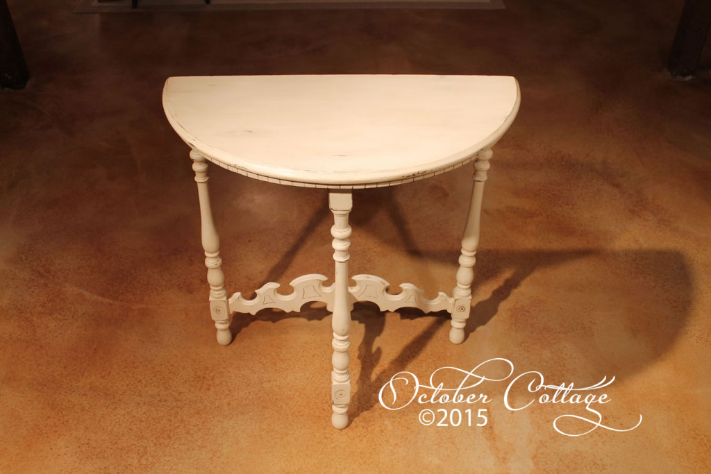 Demilune table IMG_1140