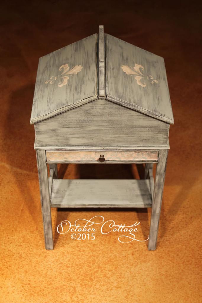 Vintage sewing table IMG_0616